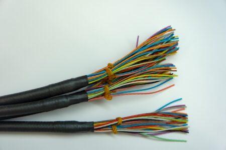 二重絶縁とは?使用機器、マーク、接地との関係、感電保護クラスなど